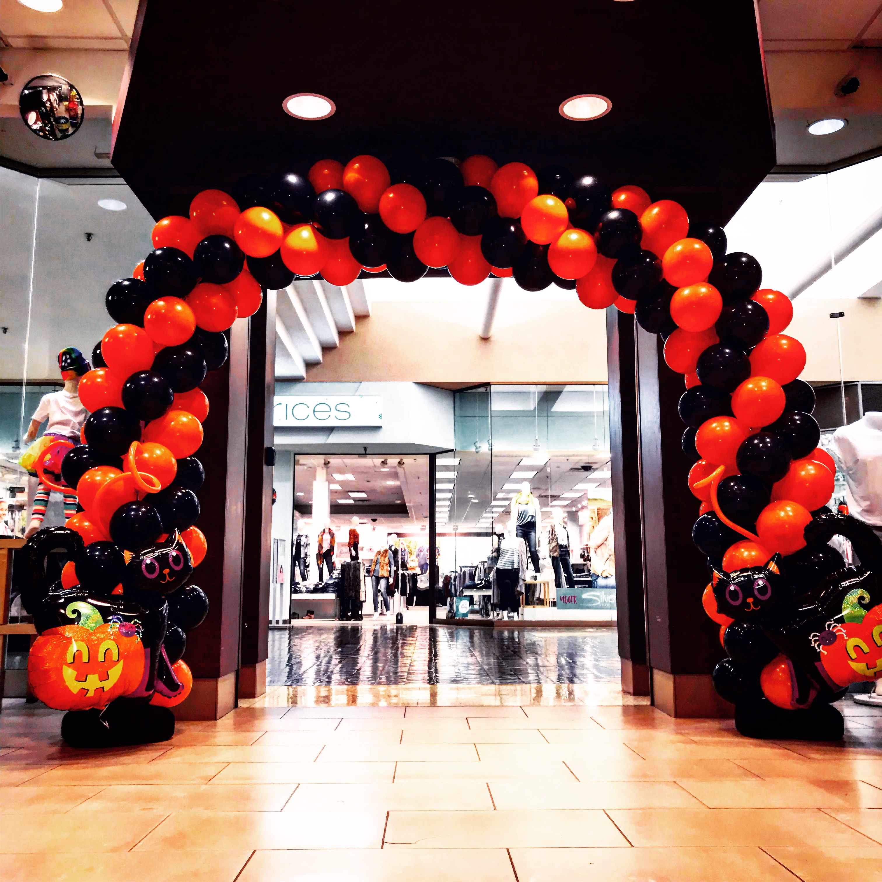 Custom Balloon Arches for Corporate Events in Minnesota